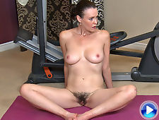 Hairy girl Veronica Snow strips at her home gym